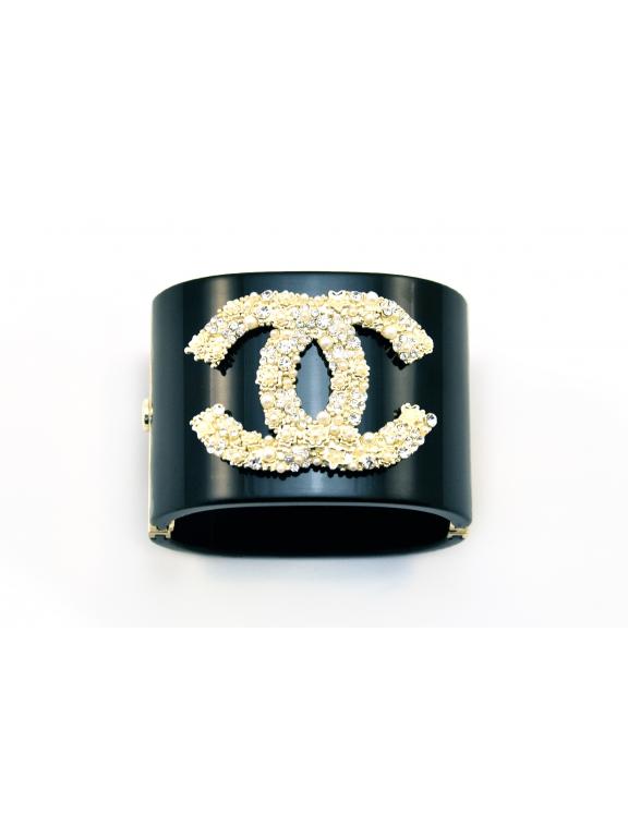 Черный браслет Chanel золотой значок жемчужинки