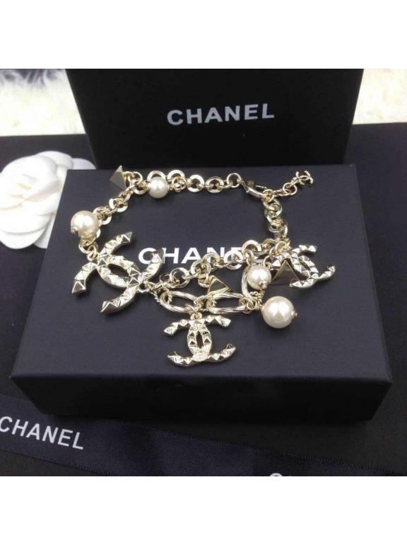 Золотой браслет Chanel жемчужинки