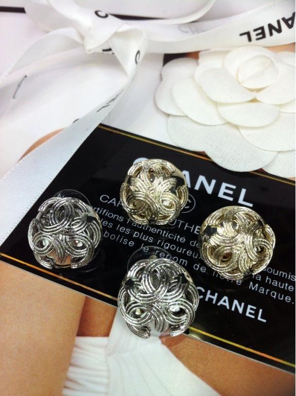 Золотые серьги Chanel
