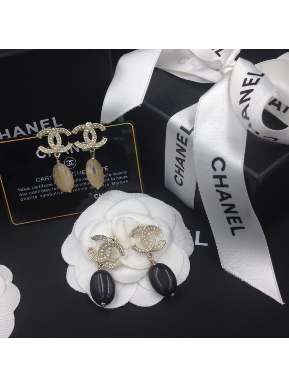 Золотые серьги Chanel жемчужинки розовый камень