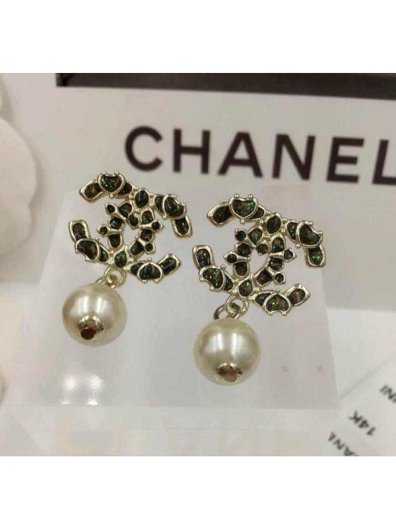 Золотые серьги Chanel перламутр жемчужинка