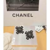 Черные серьги Chanel жемчужинки