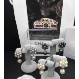 Серые серьги Chanel жемчужинки