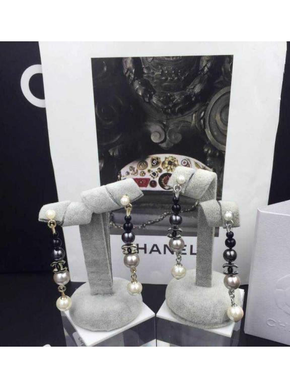 Белые серьги Chanel черно - серо - белые жемчужинки
