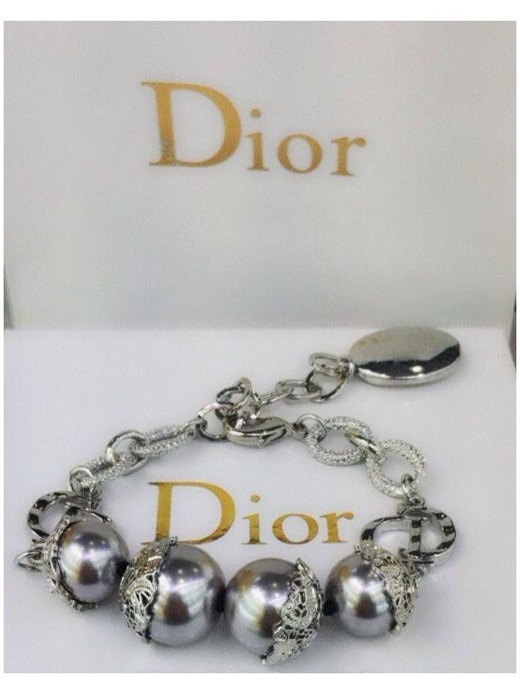 Белый браслет Christian Dior серые жемчужинки